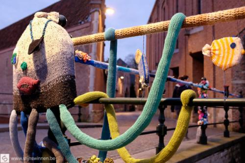 yarn bombing in Mechelen - de inktvis