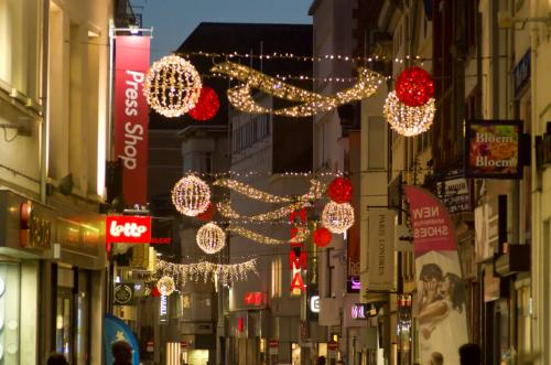 LED-Kerstverlichting in de Bruul te Mechelen